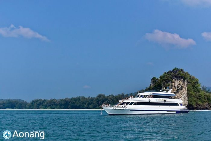クラビ4島ツアー(中型船&スピードボート利用)