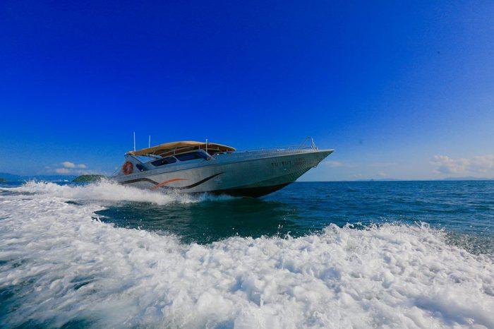 チャータースピードボート ラチャヤイ島