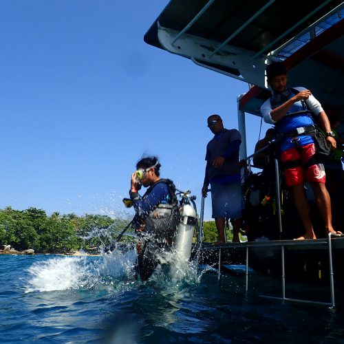 ラチャヤイ島体験ダイビング+スパ2時間コース